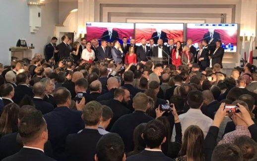 Wieczór wyborczy w sztabie Konfederacji - wybory parlamentarne 2019